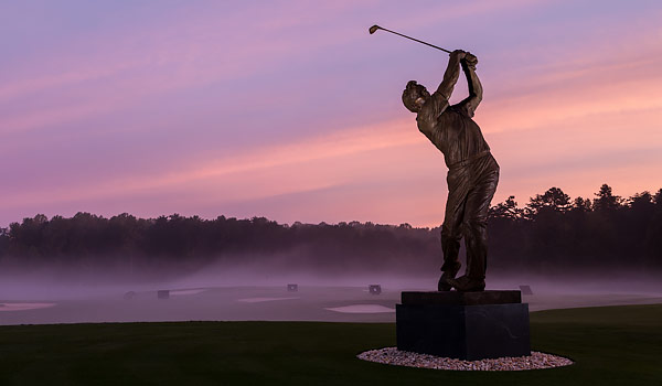 Statue of Arnold Palmer on WFU Campus