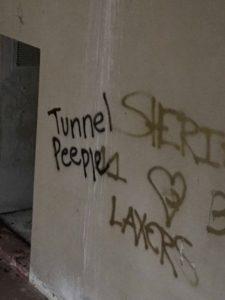 Tunnel Peeple graffiti