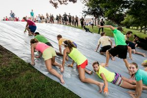 New Wake Forest students compete against each other in the annual Pros versus Joes orientation event on Monday, August 29, 2016.