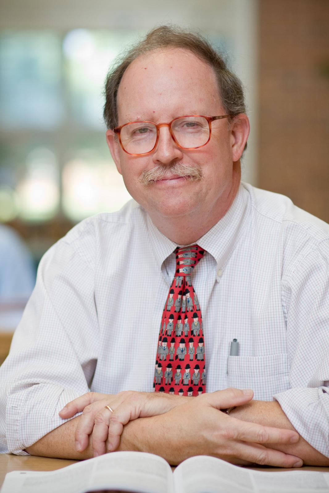 Headshot of Dr. Tom Phillips