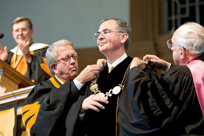 Dr. Nathan O. Hatch is inaugurated as the 13th President of Wake Forest University in a ceremony in Wait Chapel on Thursday, October 20, 2005.