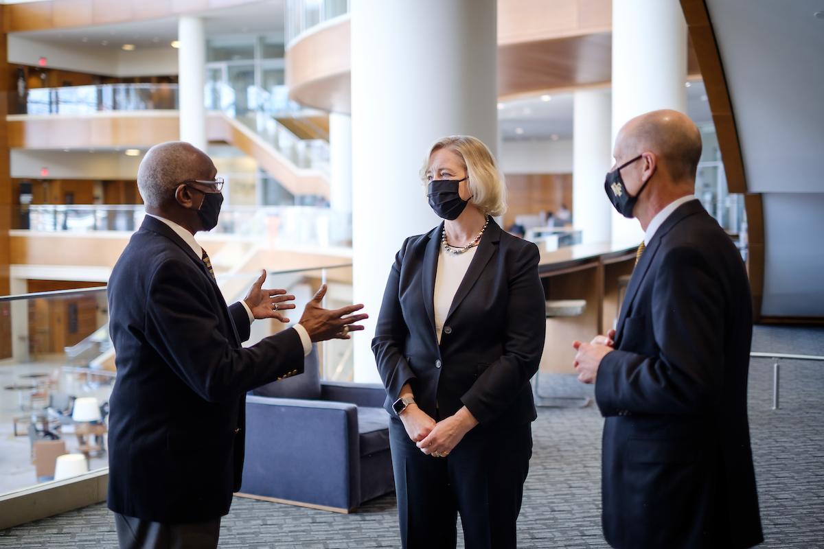 Dr. Susan R. Wente meets Dr. Herman Eure and trustee Matt King.