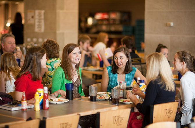 Wake Forest students enjoy lunch at the Reynolda Fresh Food Company (the Pit)