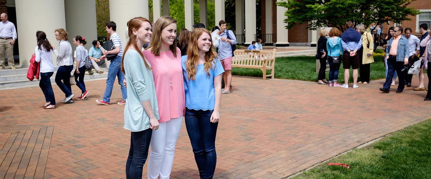 Admitted students and their families tour the Wake Forest campus during Campus Day