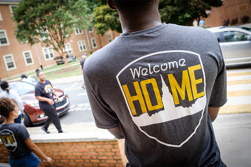 The Wake Forest Class of 2023 moves into their first-year residence halls on South Campus