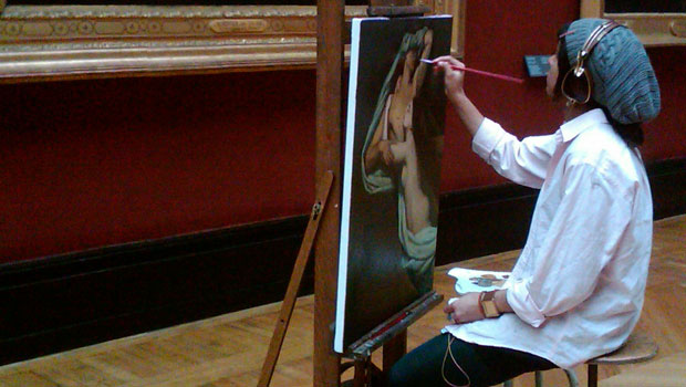 Amanda Bowers painting in the Louvre