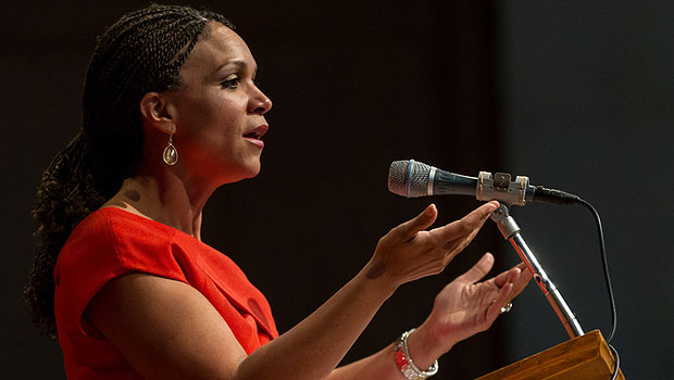 Melissa Harris-Perry address the Wake Forest audience.