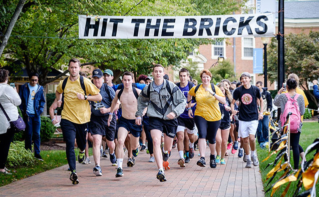 Start of Hit the Bricks run