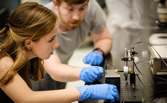 Wake Forest University students work in a science lab