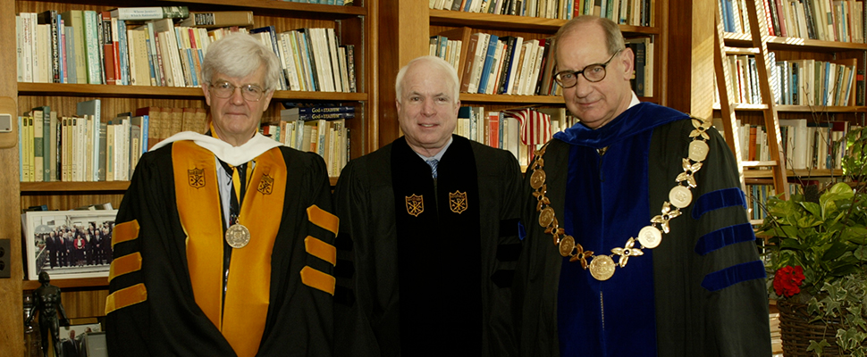 Journalist and Life Trustee Al Hunt ('65) with Sen. McCain and Wake Forest President Thomas K. Hearn in 2002