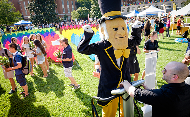 Wake Forest students, faculty, and staff attend the Arrive to Thrive event on Manchester Plaza on Tuesday, August 25, 2015. The event highlights different ways of maintaining an healthy lifestyle on campus.