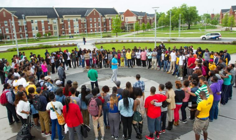 drumwright-leading-campus-prayer