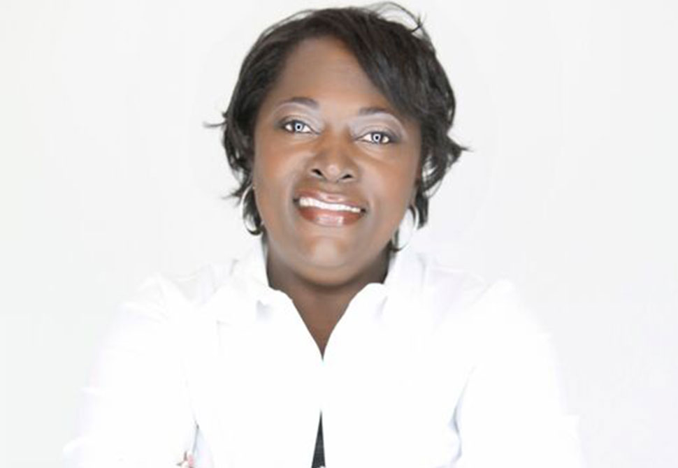 Headshot of Linda McRae (MDiv '03)