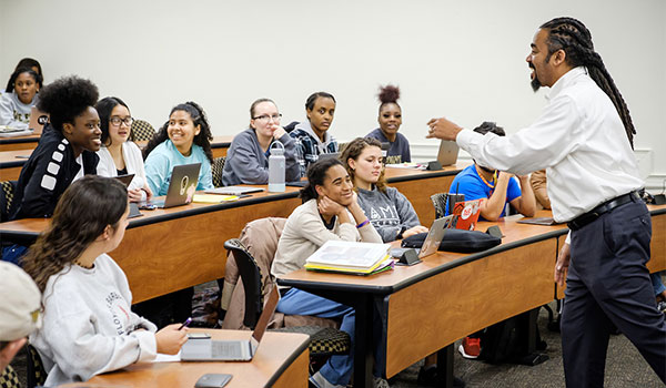Wake Forest students in the First Year Experience class have a wide ranging discussion of the liberal arts