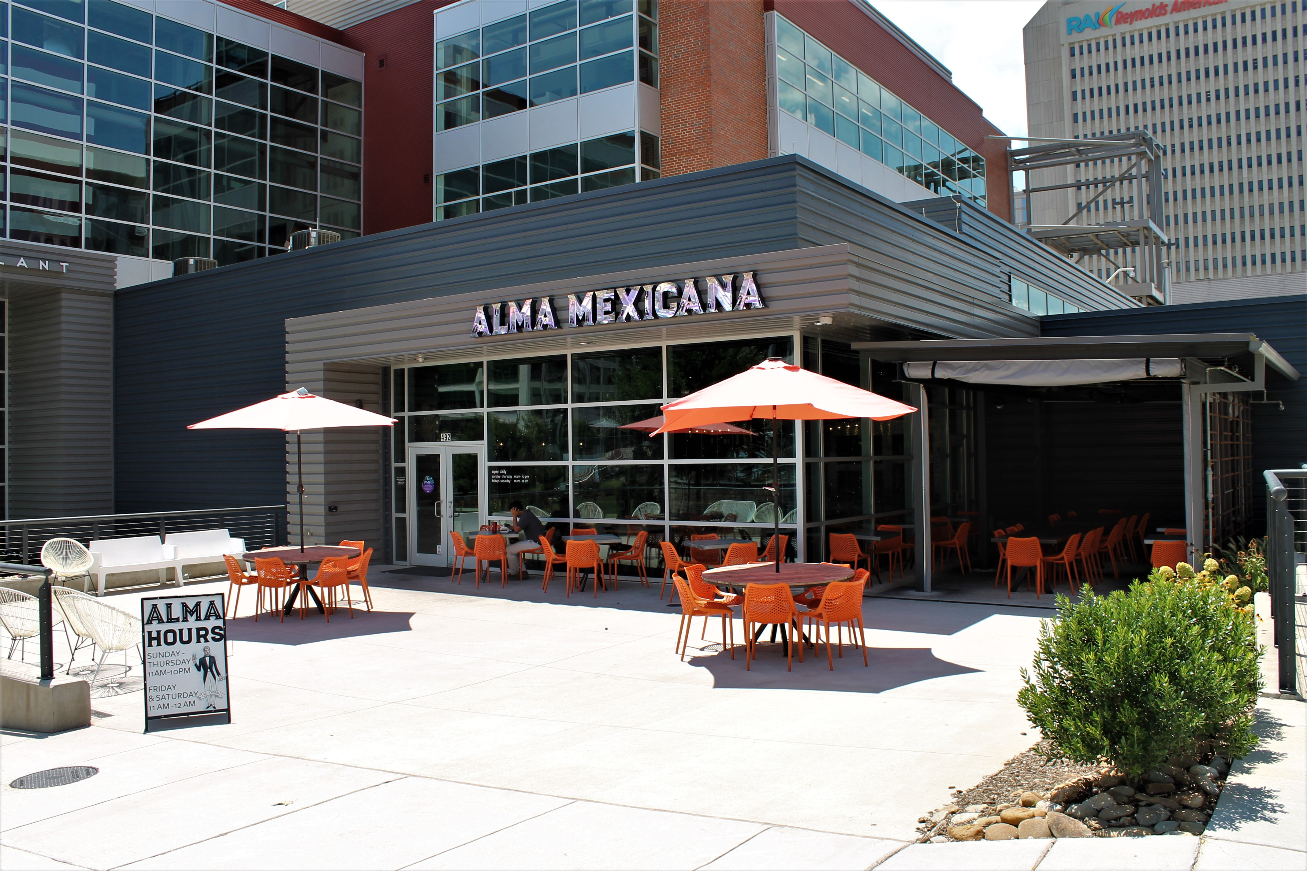 Alma Mexicana Exterior and outdoor seating