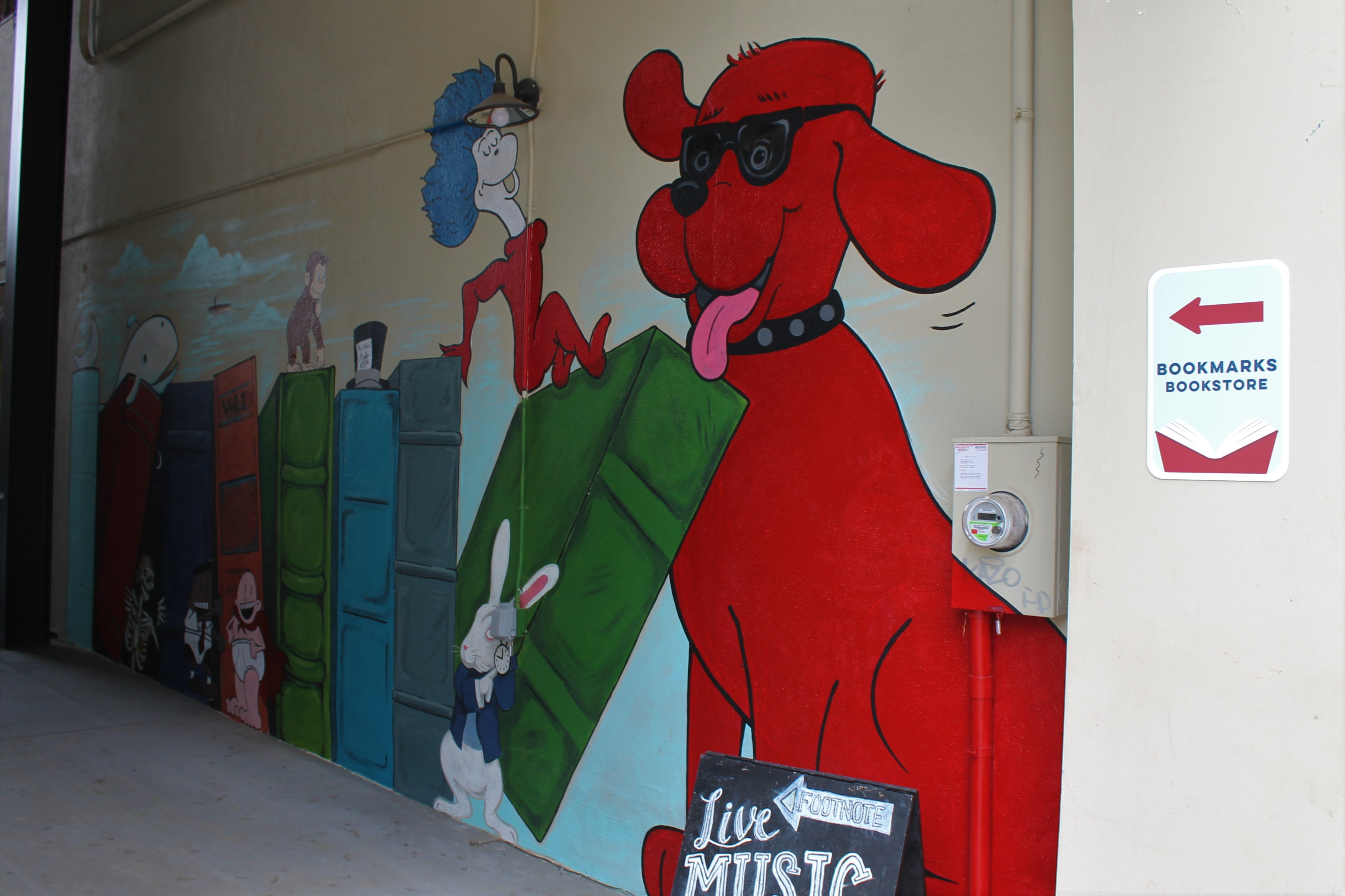 Children Story bookmarks murals with clifford and other dr. seus characters