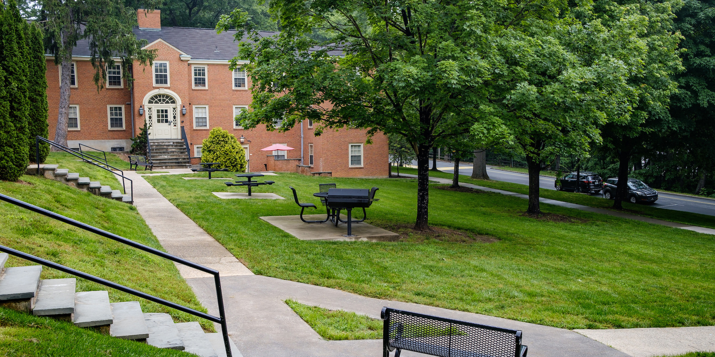Courtyard between several North Campus Apartment buildings