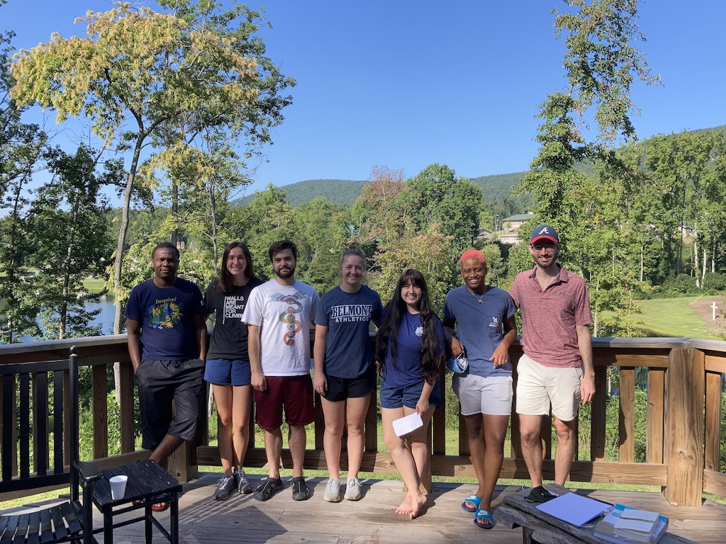 Flourishing Retreat Helps Connect Students With Nature