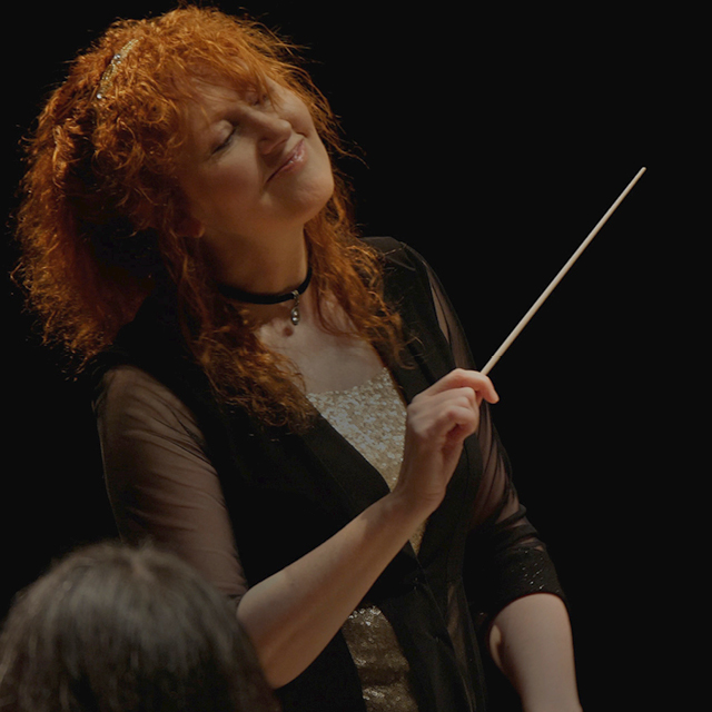 Jeannette Sorrell ('86) made her way from modest beginnings to the stage of Carnegie Hall as a pioneering female conductor who lets nothing stop her.