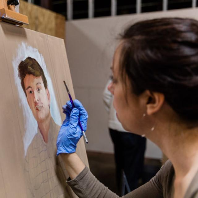 Anna Hustrulid Jarrell paints