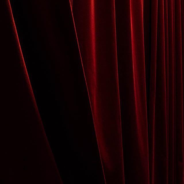 curtain square
