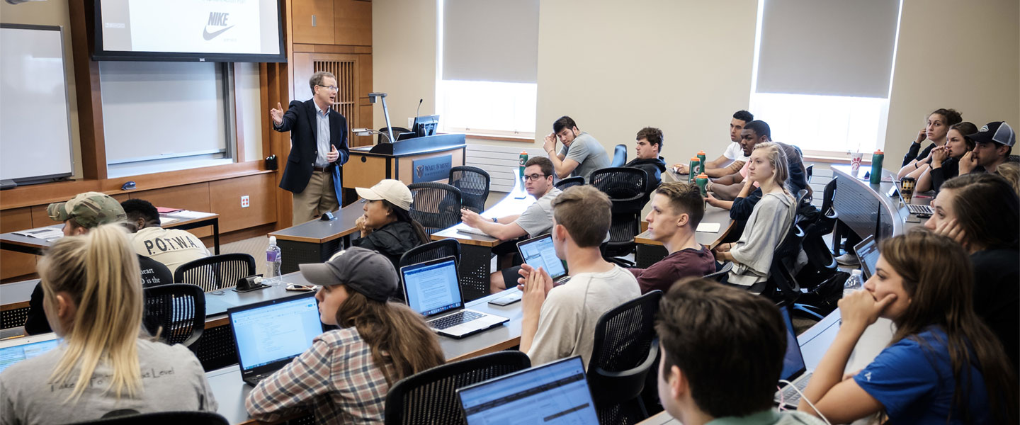 Wake Forest business professor Pat Sweeney teaches his leadership class in Farrell Hall