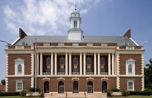 New Bern's 1934 federal courthouse which features refurbished murals of historical scenes of New Bern.