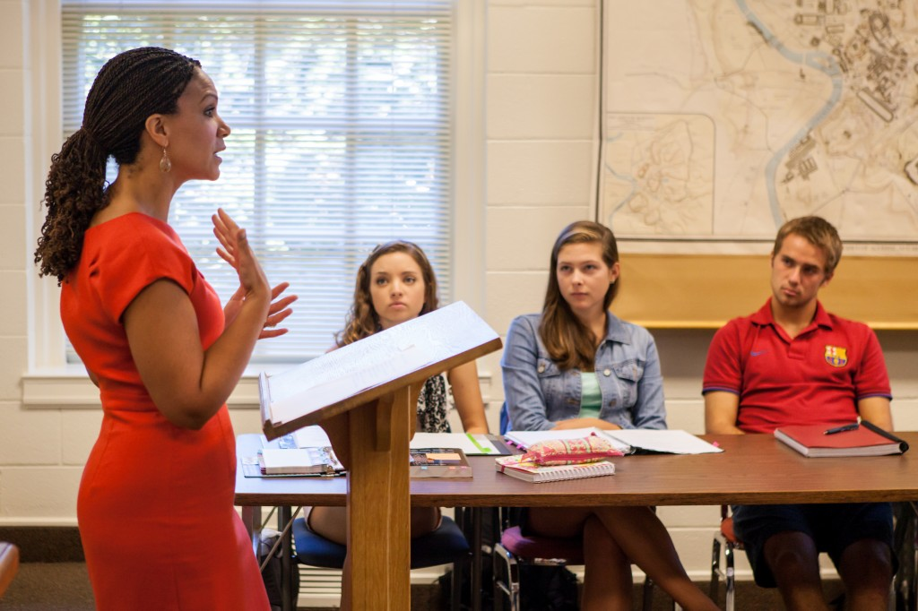 Melissa Harris-Perry ('94) speaks to a political science class during a visit to Wake Forest in 2012.