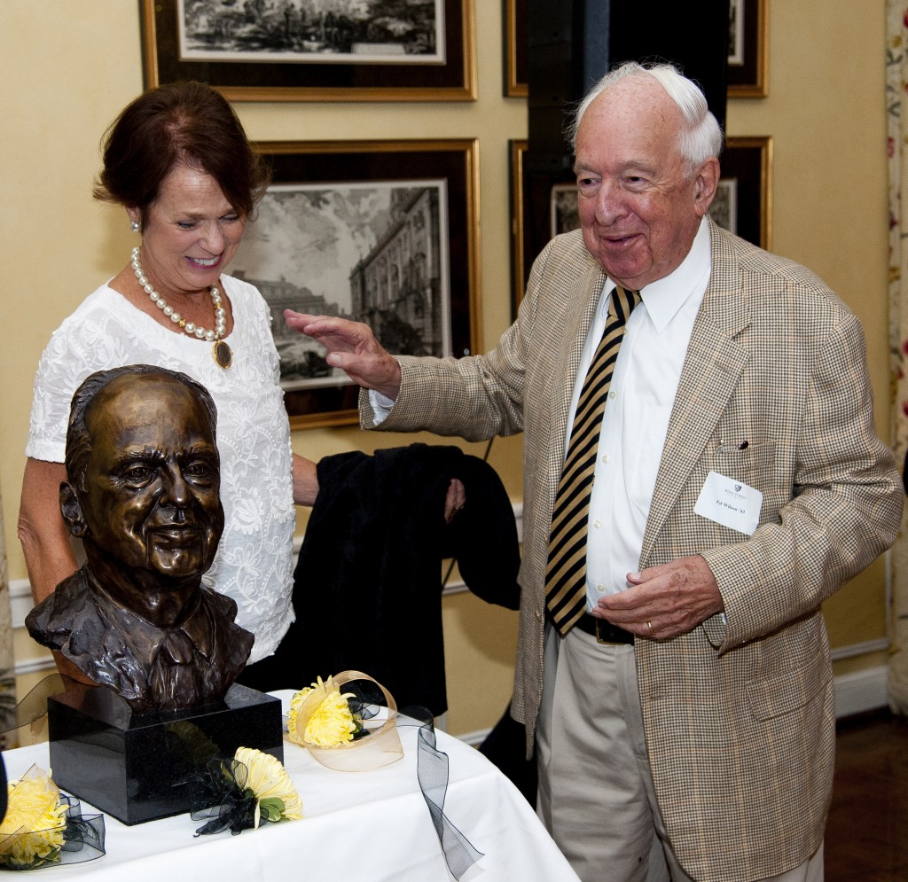 A surprised Ed Wilson sees his bronzed self for the first time, sculpted by Prissy Armfield ('64), at left.