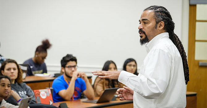 Wake Forest students in the First Year Experience class have a wide ranging discussion of the liberal arts, AP class credit, divisional requirements, and required language classes with professors Nate French