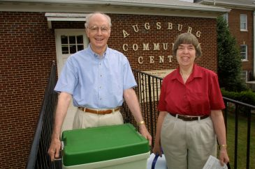 Retired WFU professor Richard Barnett ('54) and his wife, Betty Tribble Barnett ('55), pick up food for their Meals on Wheels route in 2001