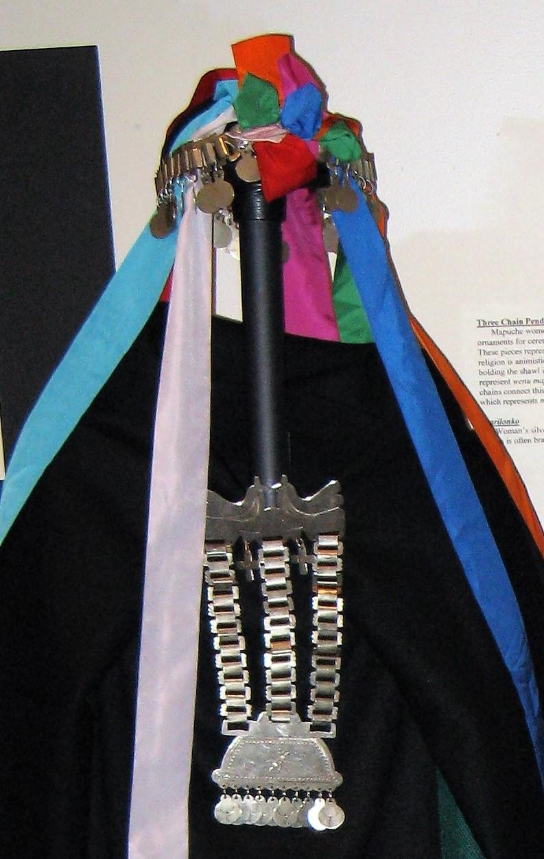 Mapuche women's accessories