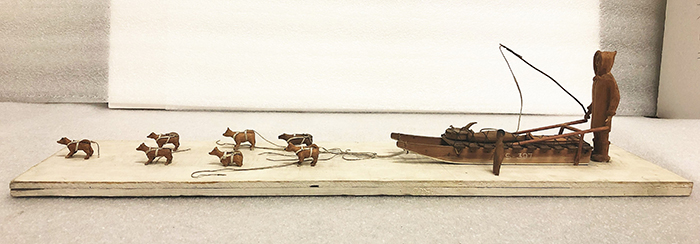 Inuit dog sled model