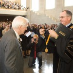 President Nathan O. Hatch presents the Medallion of Merit, the University's highest honor, to Ed Christman in 2007.