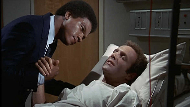 Billy Dee Williams as Gale Sayers and James Caan as Brian Piccolo