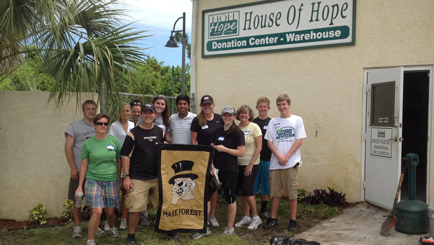 Wake Forest alumni volunteered at the House of Hope in Stuart, Fla.
