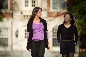 Associate Professor of Chemistry Rebecca Alexander walks with junior Lucy Lan.
