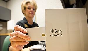Lynn Crouse uses the thin client terminal.