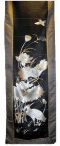 Silk-Hanging Japan-black-and-white